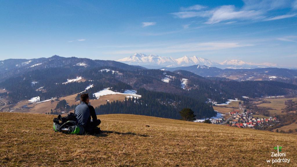 Tatry widoczne z wzniesienia nad Wielkim Lipnikiem po stronie słowackiej