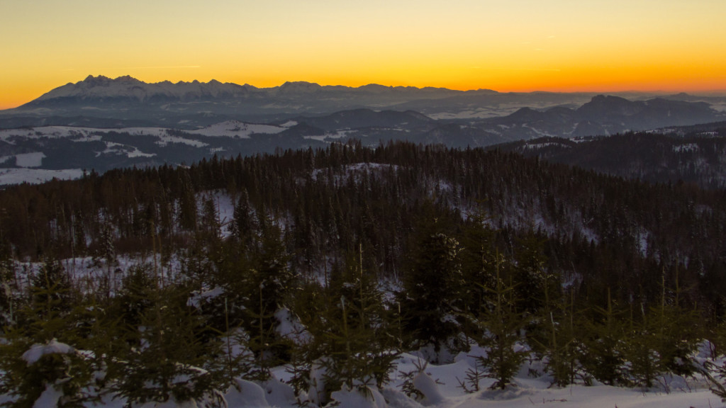 W Tatrach już wieczór. Powoli kończymy naszą wycieczkę w Beskid Sądecki