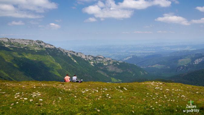 Odpoczynek na przełęczy. Pół godziny do Kopy Kondrackiej.