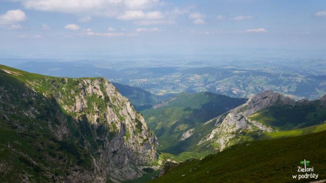 Ze szczytu Kopy Kondrackiej - 2005 m.