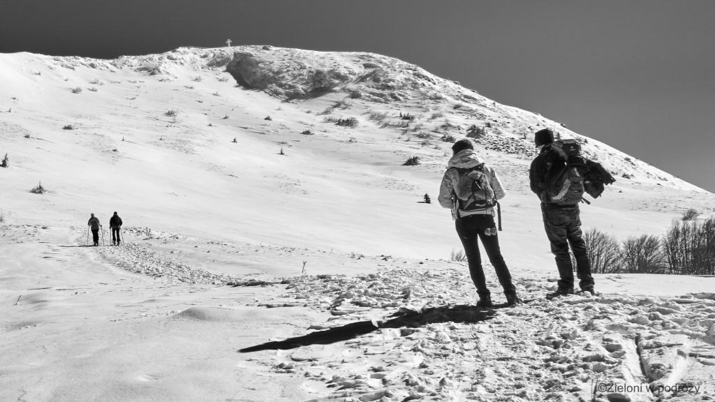 Krótka przerwa, spojrzenie na szczyt i byliśmy gotowi ruszczyć w stronę przełęczy.