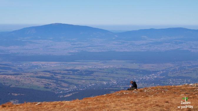 Przyjemnie odpoczywa się w takich okolicznościach przyrody i przy takich widokach.