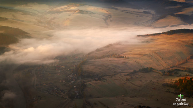 Miejscowość Sromowce Niżne widziana ze szczytu