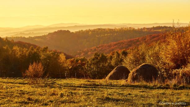 Pogórze Strzyżowskie o zachodzie słońca