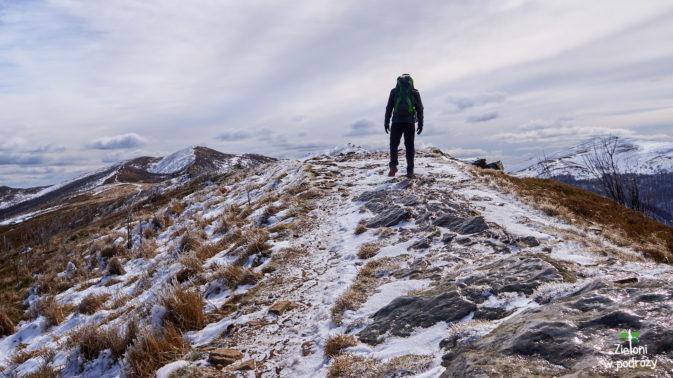 Lód na szlaku wygląda groźnie, ale występuje tylko w nielicznych miejscach