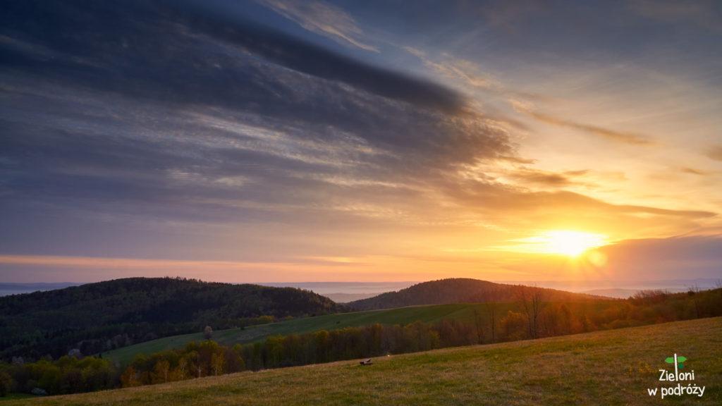 Przymiarki w Beskidzie Niskim i wschód słońca