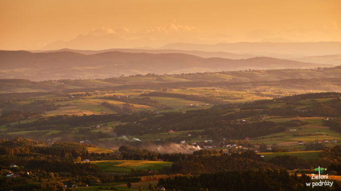 Pogórze Cieżkowickie i Tatry na horyzoncie