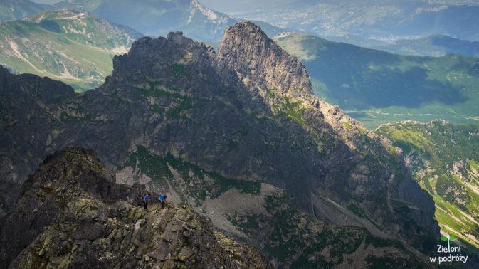 Szlakiem Orlej Perci z Kościelcem w tle
