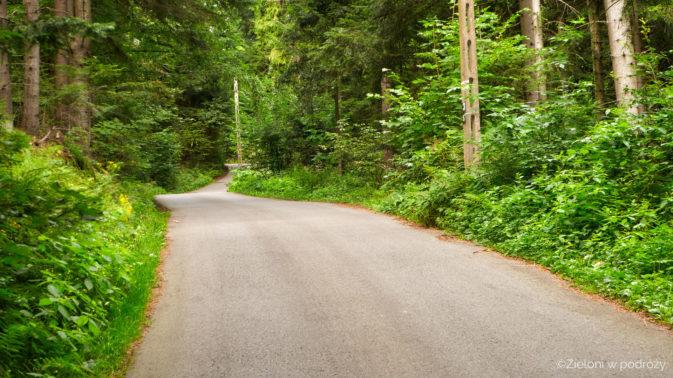 Pora na nudny odcinek asfaltową drogą