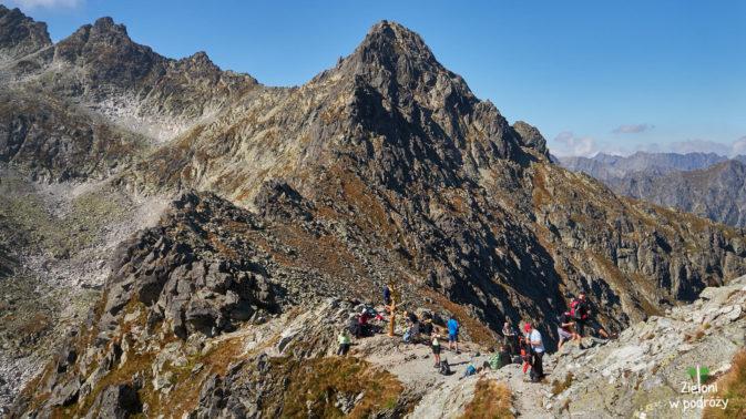 Przełęcz widziana z podejścia na szczyt