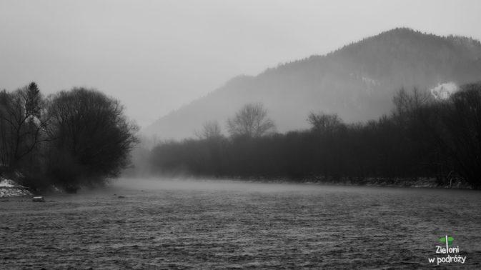 Powrót z Sokolicy mijał w mglistej atmosferze