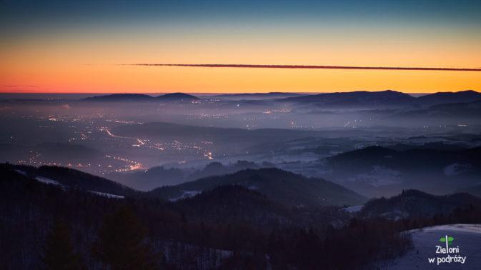 Dzień powoli maluje horyzont