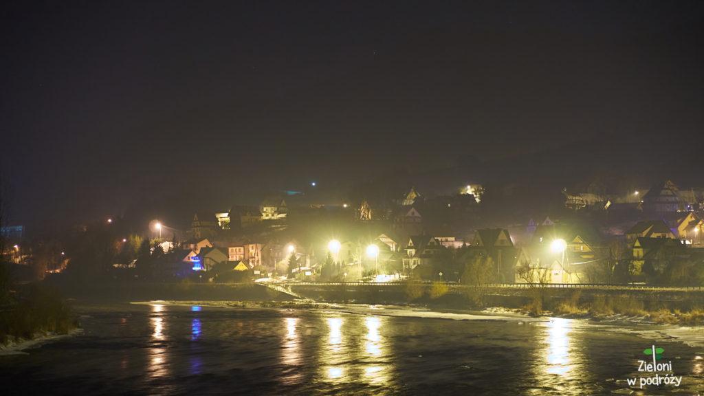 Przekraczam mostek nad Dunajcem i ruszam na szlak