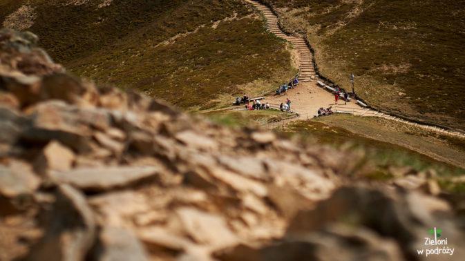 Ostatnie spojrzenie w stronę przełęczy