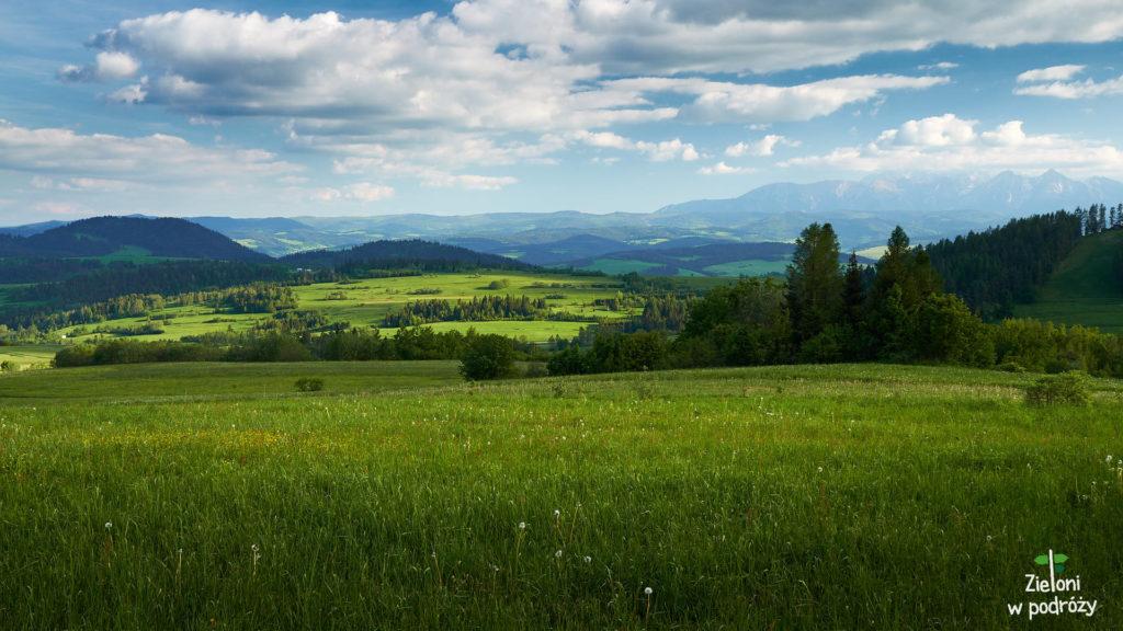 Dobrze widać Tatry, więc z nadziejami planujemy zachód na Lubaniu