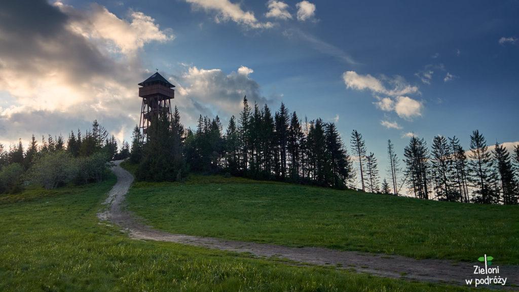 Jest i wieża widokowa na Lubaniu
