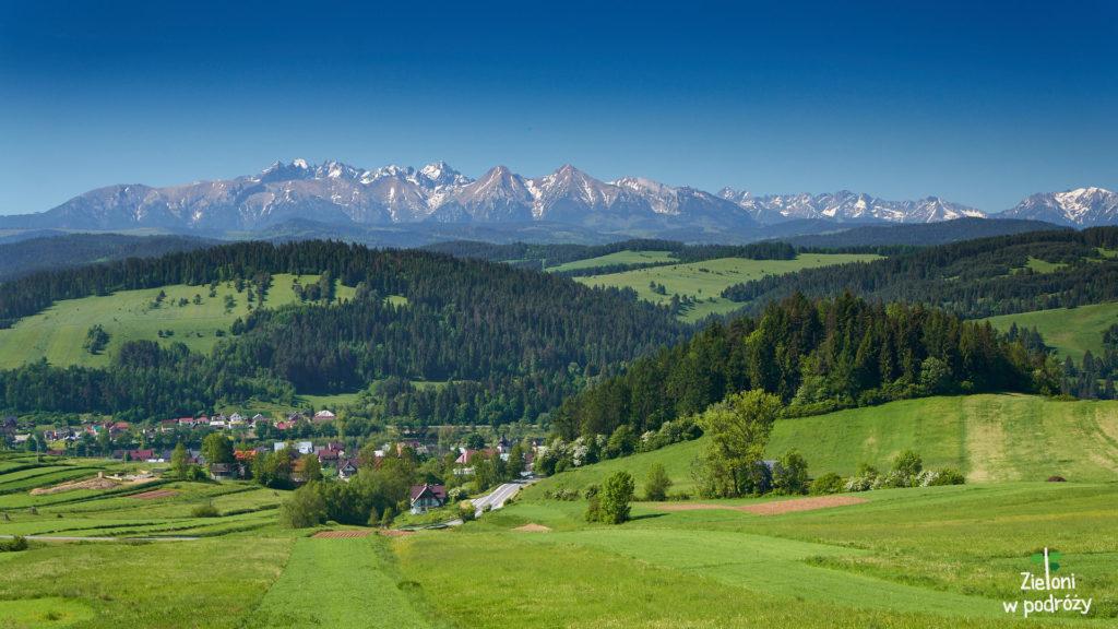 Już w drodze do Sromowiec Niżnych możemy pozachwycać się Tatrami