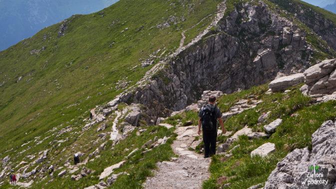 Z Krzesanicy udajemy się na Ciemniak, taką malowniczą ścieżką