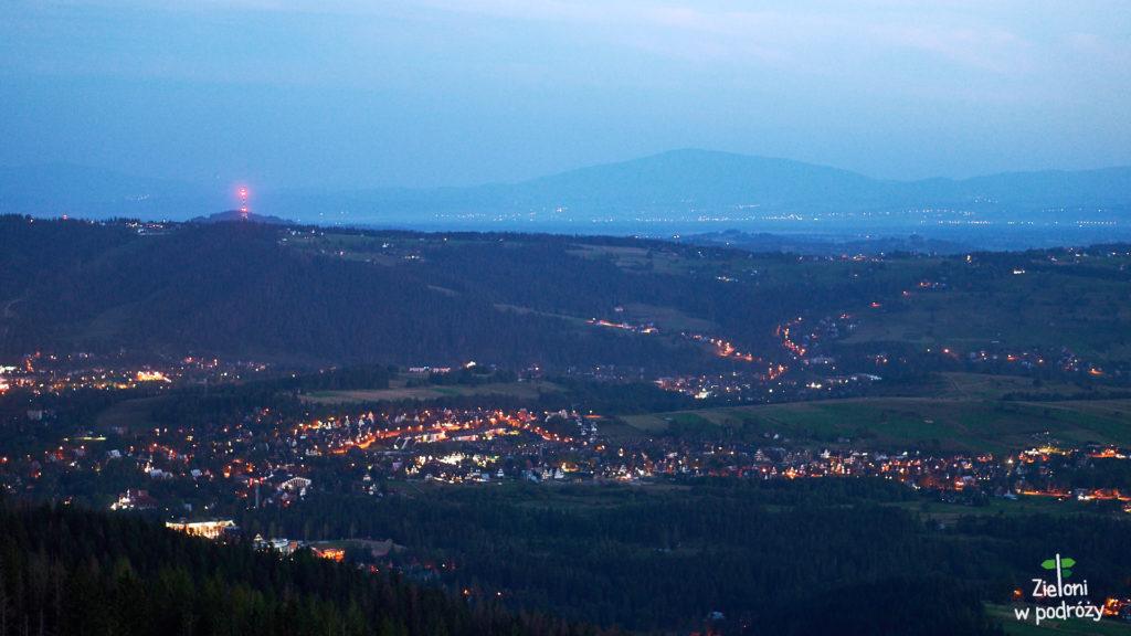 Światła miasta i wszechobecna Babia Góra
