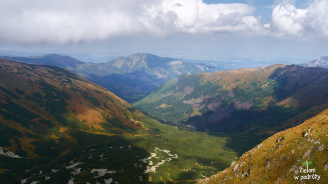 Dolina Jarząbcza i Bobrowiec w tle