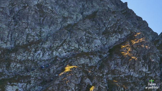 Galeryjka, którą trzeba pokonać w drodze na przęłęcz