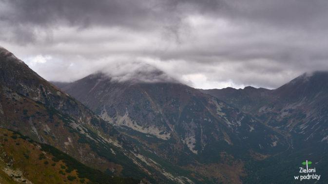 Starorobociański Wierch pod chmurą