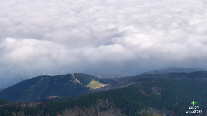 Wielki Kopieniec pochłaniany powoli przez chmury