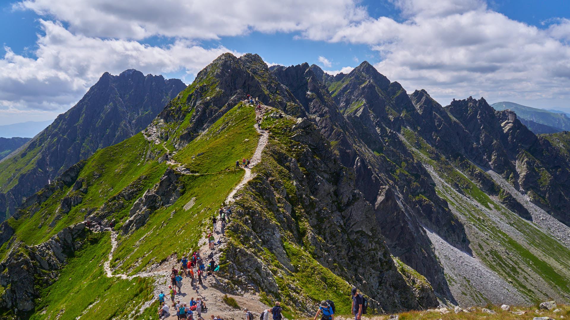 Widok z przełęczy w stronę Orlej Perci