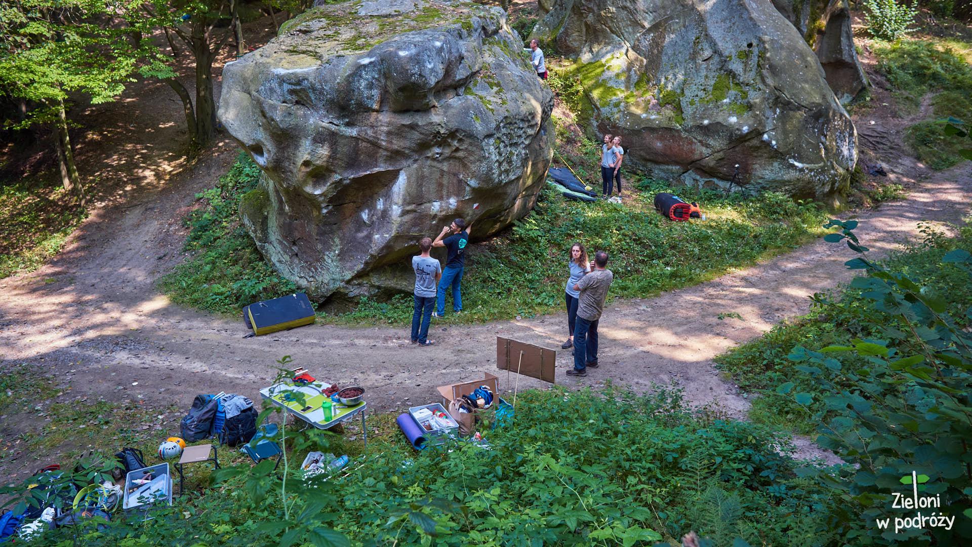 Formacje skalne na Kamieńcu