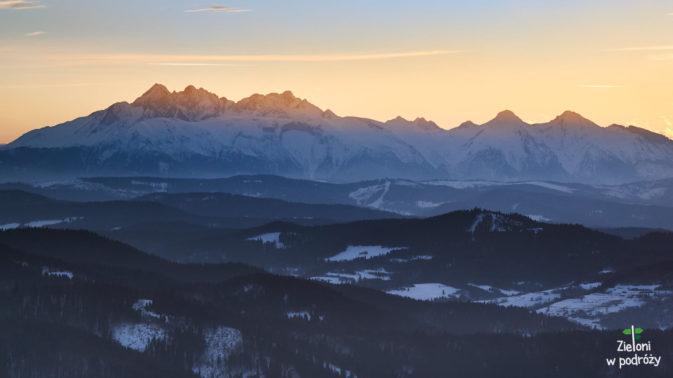 Z widokiem na Tatry o zachodzie