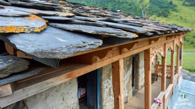 Dachy też są kryte kamieniem