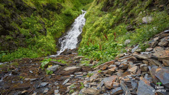 Mały wodospad, żeby wędrówka miała komplet widoków
