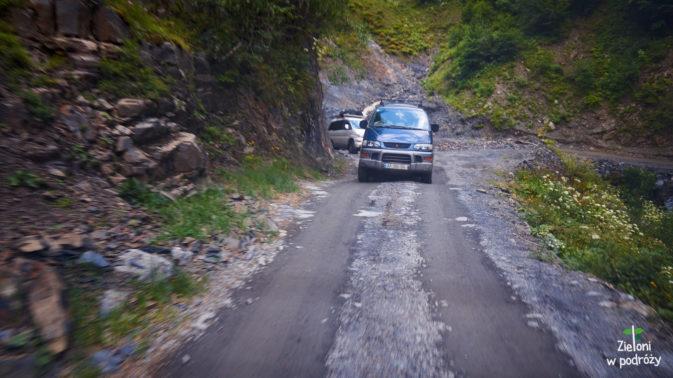 Nasz konwój w drodze na Przełęcz Abano
