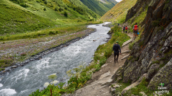 Schodzimy w stronę doliny