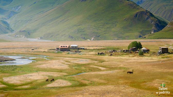 Dolina jest niemal całkowicie płaska, ale widoki moga się podobać