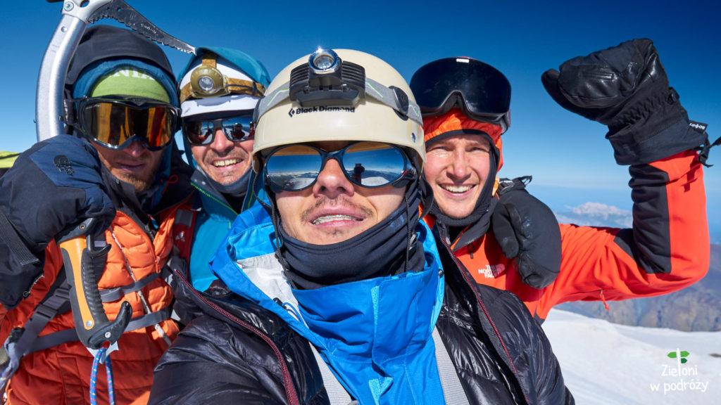 Nasz zespół na szczycie Kazbeku