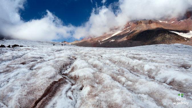Pierwszy spacer po lodowcy bywa lekko emocjonujący