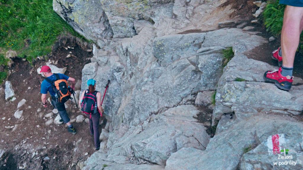 Pierwszy próg skalny na szlaku